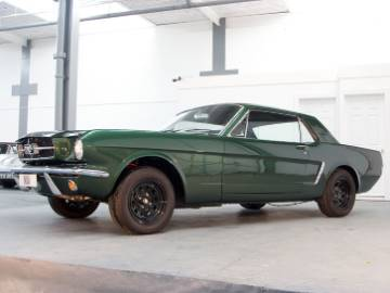 Ford Mustang 2 Door Coupe